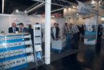 Schrage GmbH Messstand mit Besuchern auf der Powtech 2014